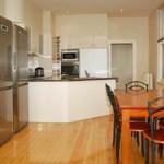 flexistayz 1 drummond street kitchen dining