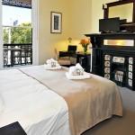 flexistayz 32 grattan street room 4 king twin split balcony