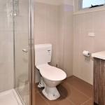 flexistayz 6 balmer street_room 5 bathroom