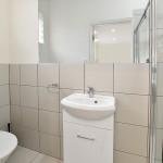 FLEXISTAYZ 206 DRUMMOND ST STUDIO 7 - ENSUITE BATHROOM